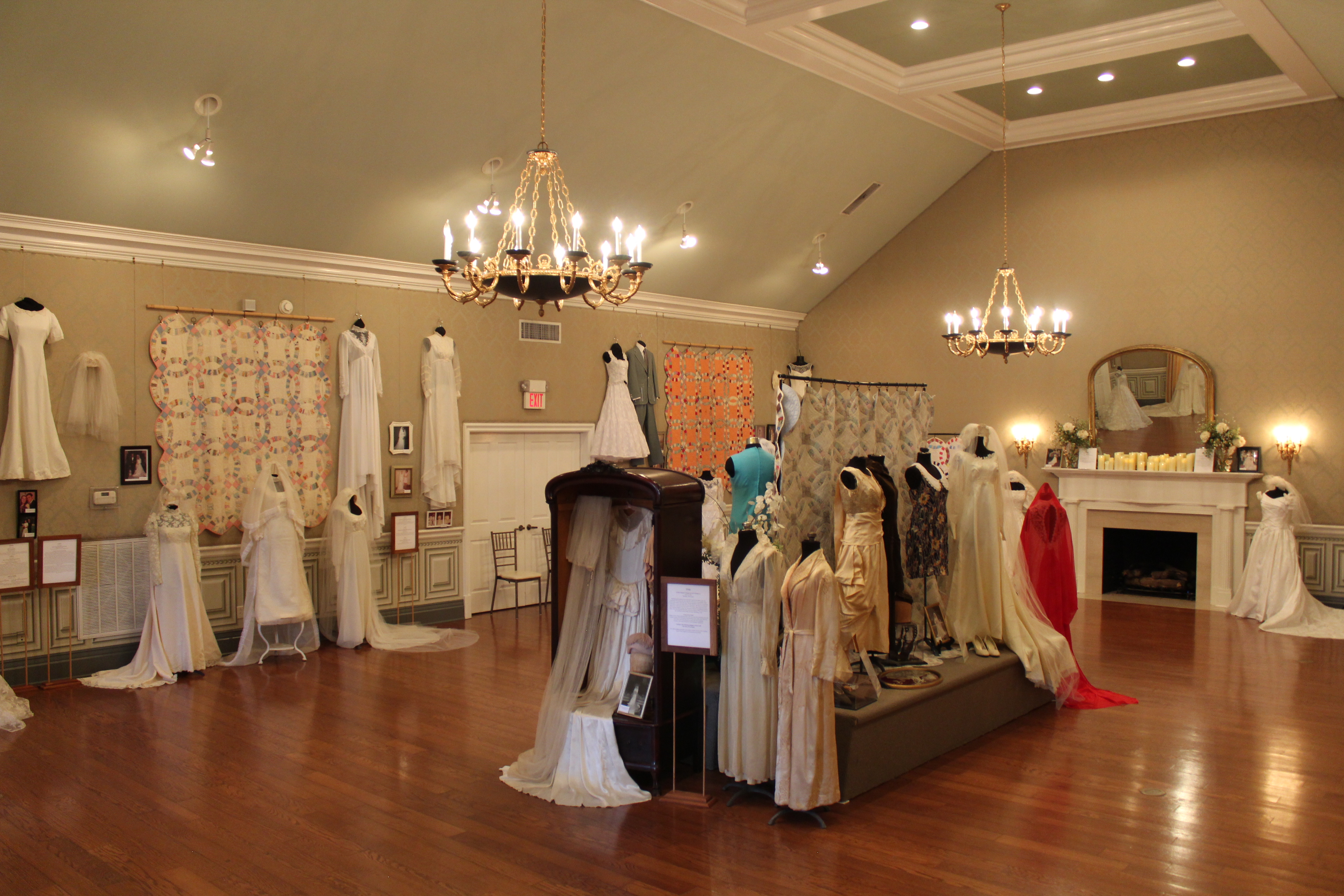 Virtual Tour of 2020 Wedding Dress Exhibit