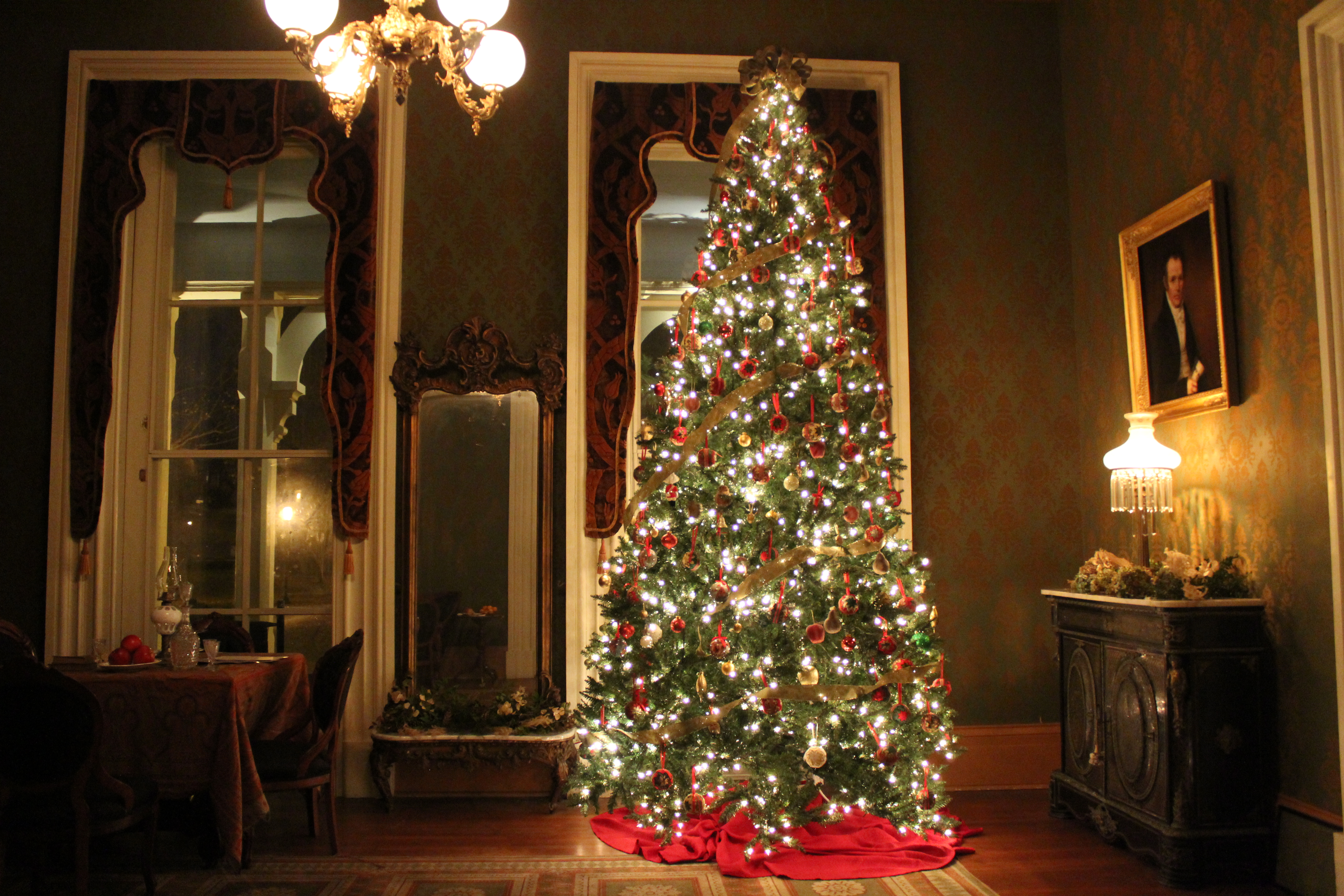 Oakwood Christmas Tour 2019 Oaklands Mansion 36th Annual Christmas Candlelight Tour of Homes
